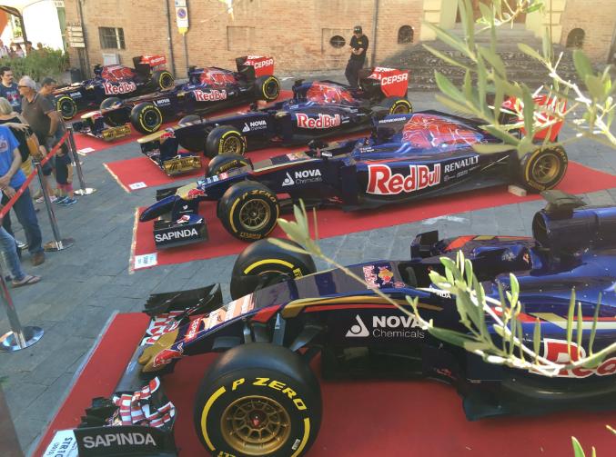 STR1 tot STR10 van Toro Rosso