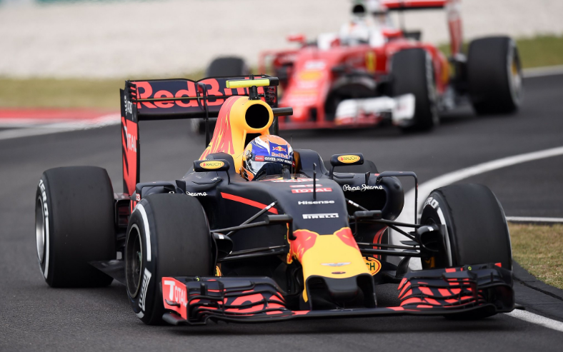 Max Verstappen start van P3 in GP Maleisië